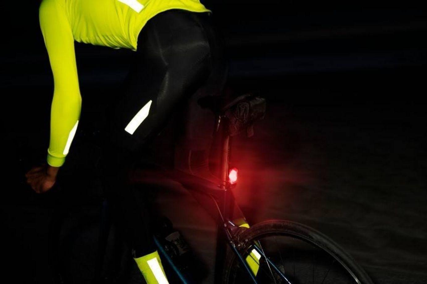 como cuando llevar luces bicicleta